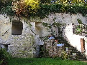 Chambres d 39 h tes troglodytes location habitation troglodytique loire hebe - Maison troglodyte angers ...